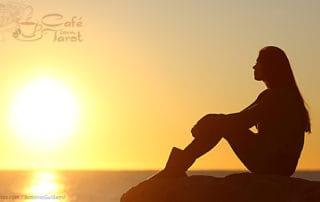 Simpatia para Esquecer um Amor | Café com Tarot